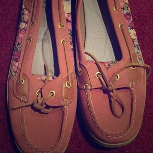 Sperry boat shoes!